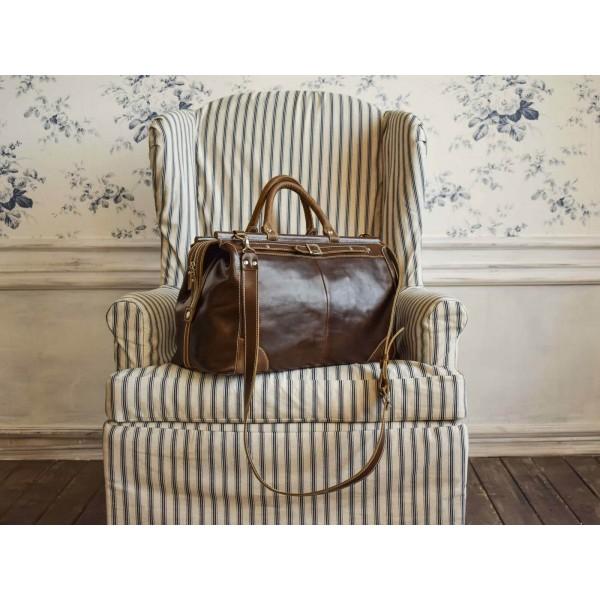 a7f255d814dc Женские дорожные сумки, купить кожаную багажную сумку Киев, саквояжи ...