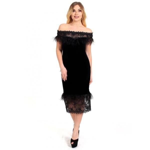 Бархатное платье с перьями черное