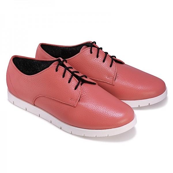 Женские спортивные туфли