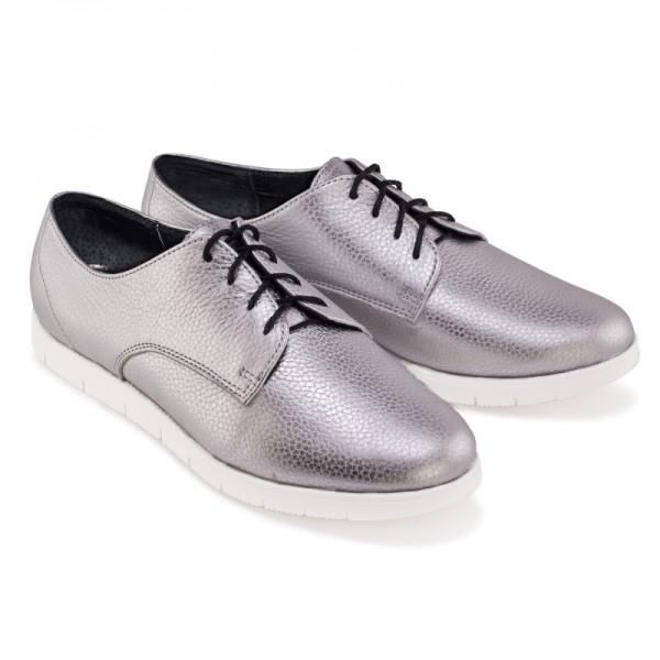 Женские спортивные туфли серебряные