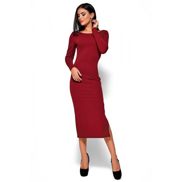 Силуэтное платье марсала