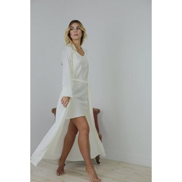 Атласный халат белый