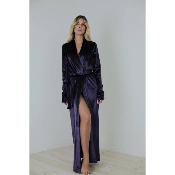 Велюровый халат фиолетовый