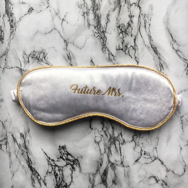 Маска для сна Future Mrs белая с золотом