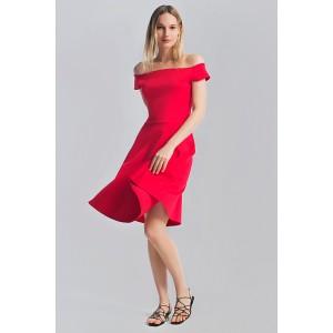 Сукня з відкритими плечима