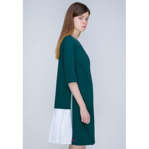Платье с плиссе зеленое