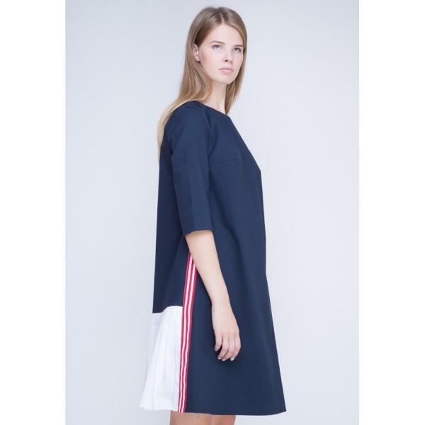 Платье с плиссе синее